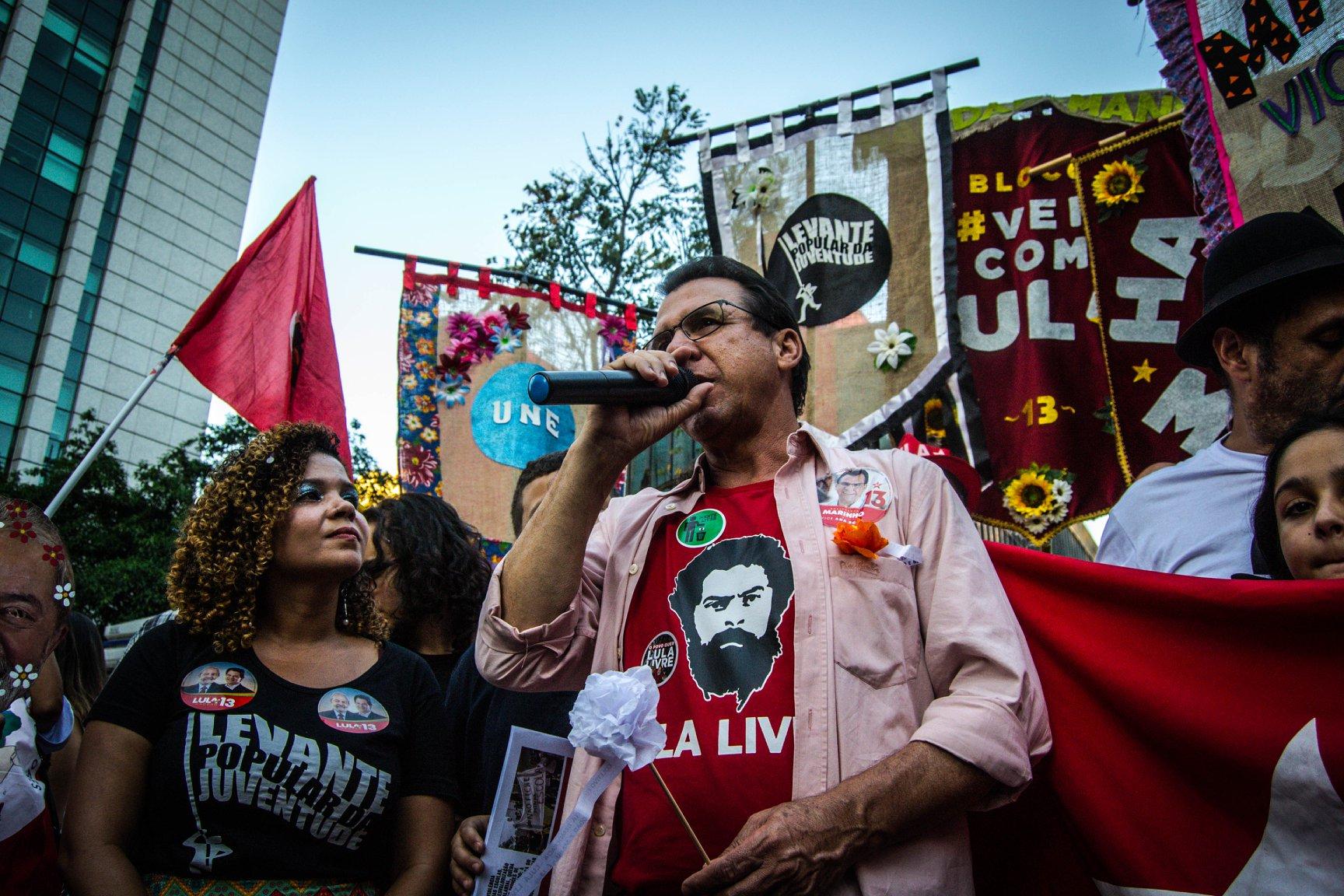 FOTO10A-Bloco vem com Lula