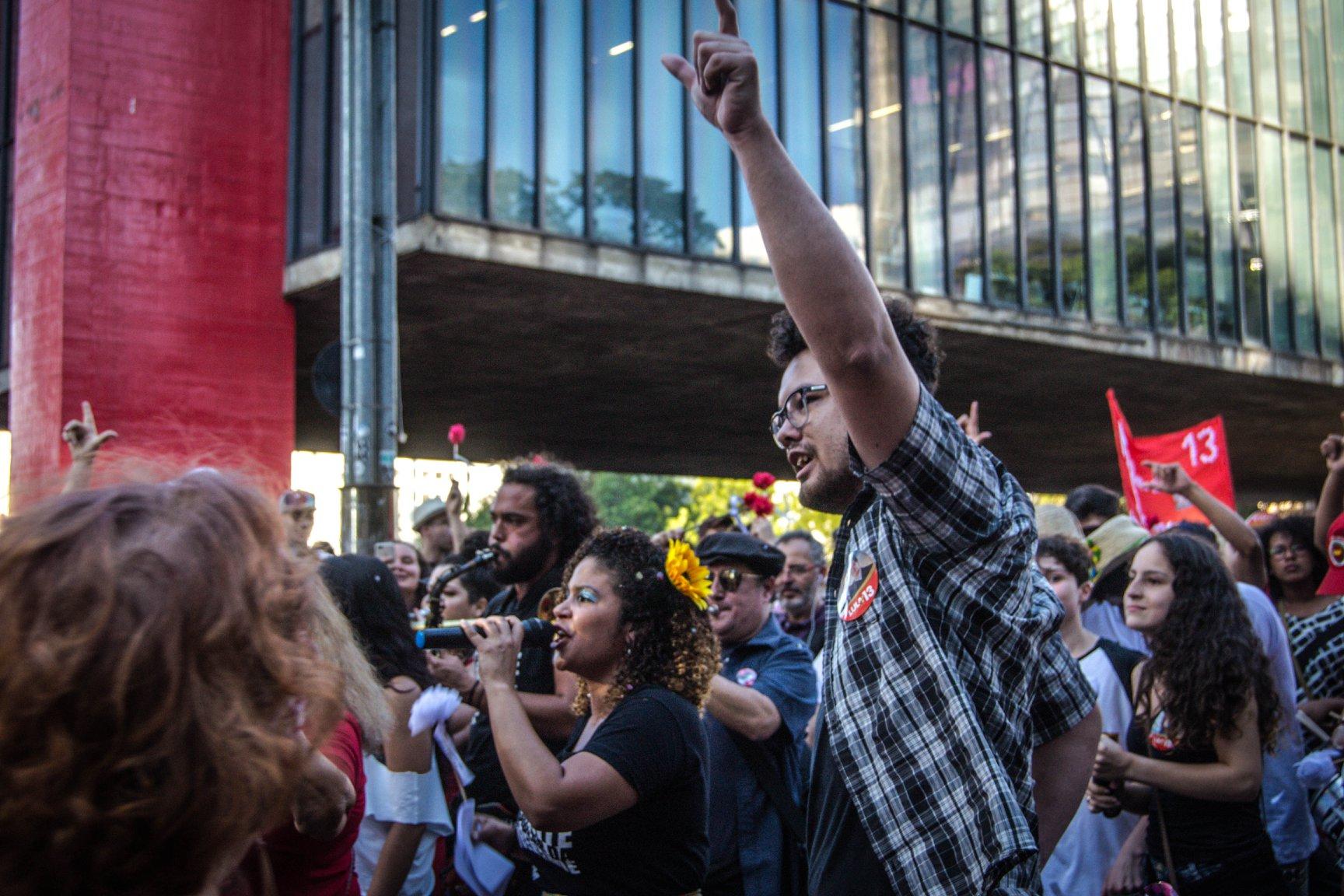 FOTO13A-Bloco vem com Lula