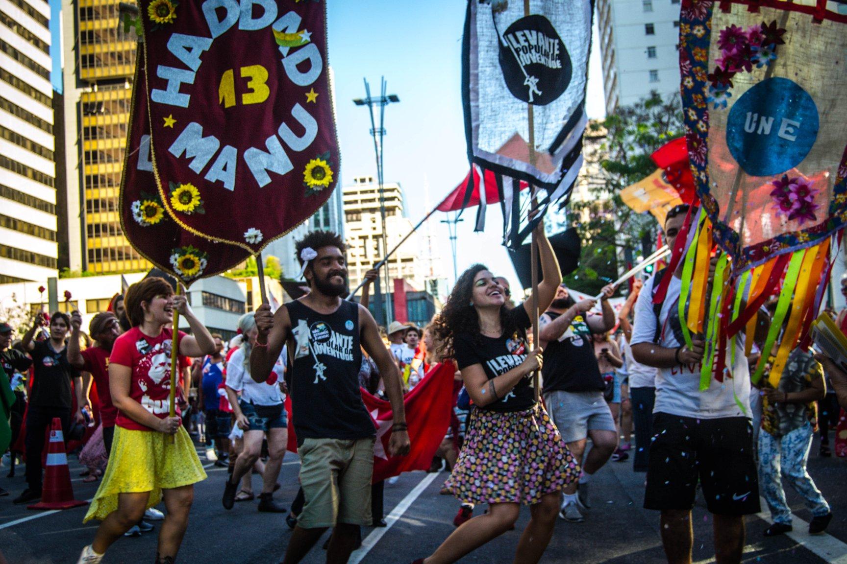 FOTO4A-Bloco vem com Lula