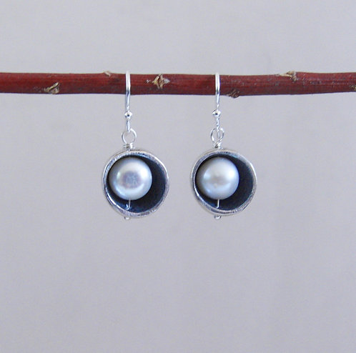 Small Pebble Pod Earrings with Pearls