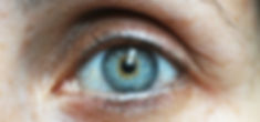 eyebrow-1792296_1920.jpg