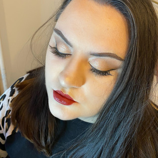 1920s Inspired Red Lip & Flick