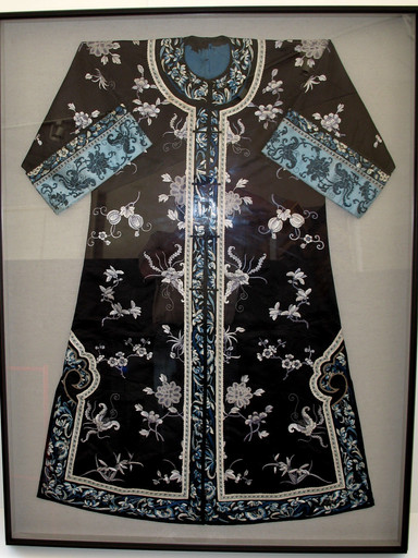 Kimono mounted in deep black frame