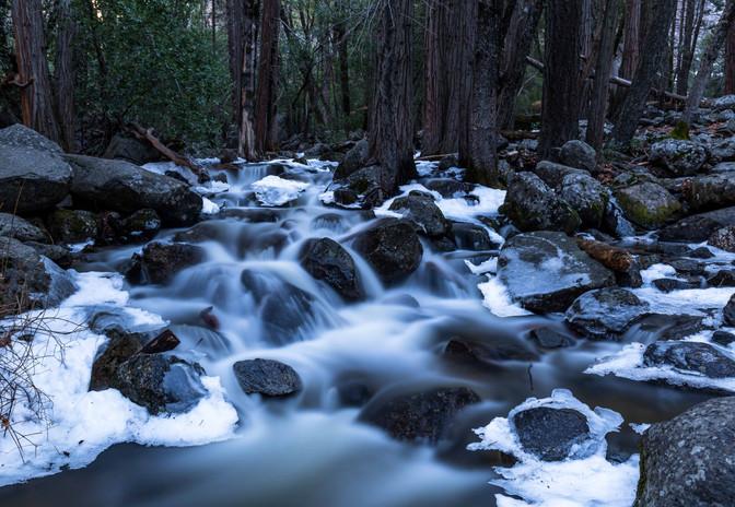 Yosemite River Flow-3709.jpg