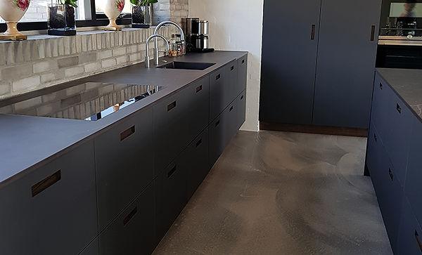 Moderne køkken i de helt nye linoleum fronte