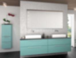 """Når badeværelset skal være klassisk men alligevel lidt mere smart end bare """"hvidt"""""""