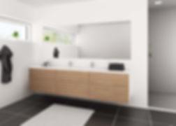 Moderne badeværelse i massive egetræs låger