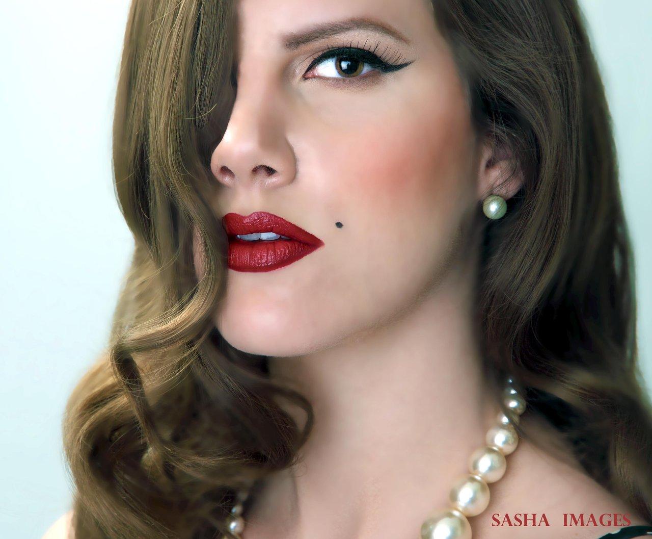 vintage hair and makeup artist