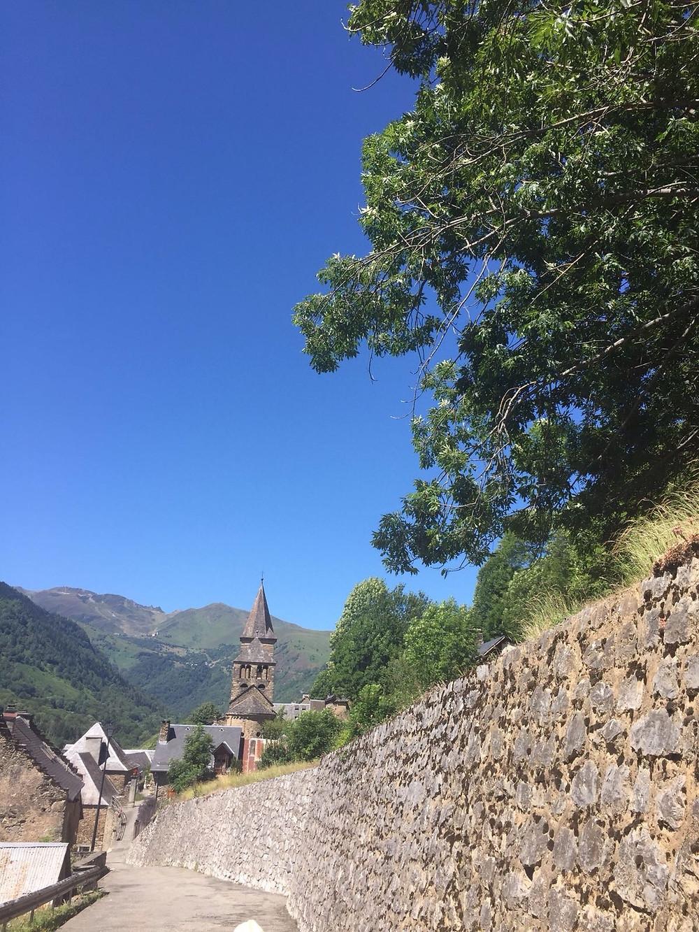 Saint Aventin,joli village proche de tout!!!!!