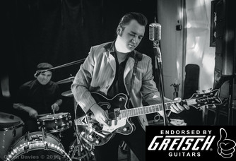 Ruzz Guitar & Zachary Evans
