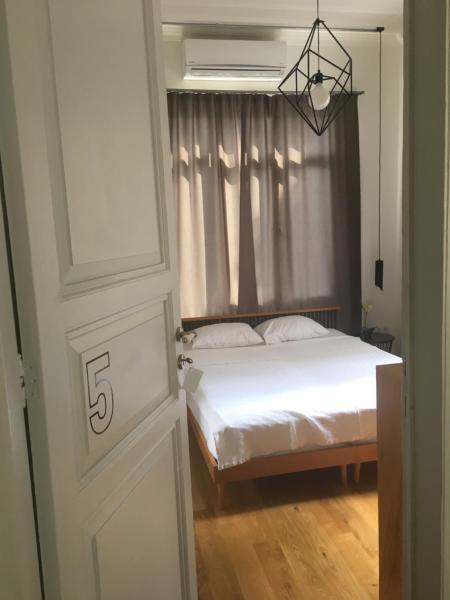 5 Numaralı Deluxe Oda- Büyükada Sergüzeşt Otel