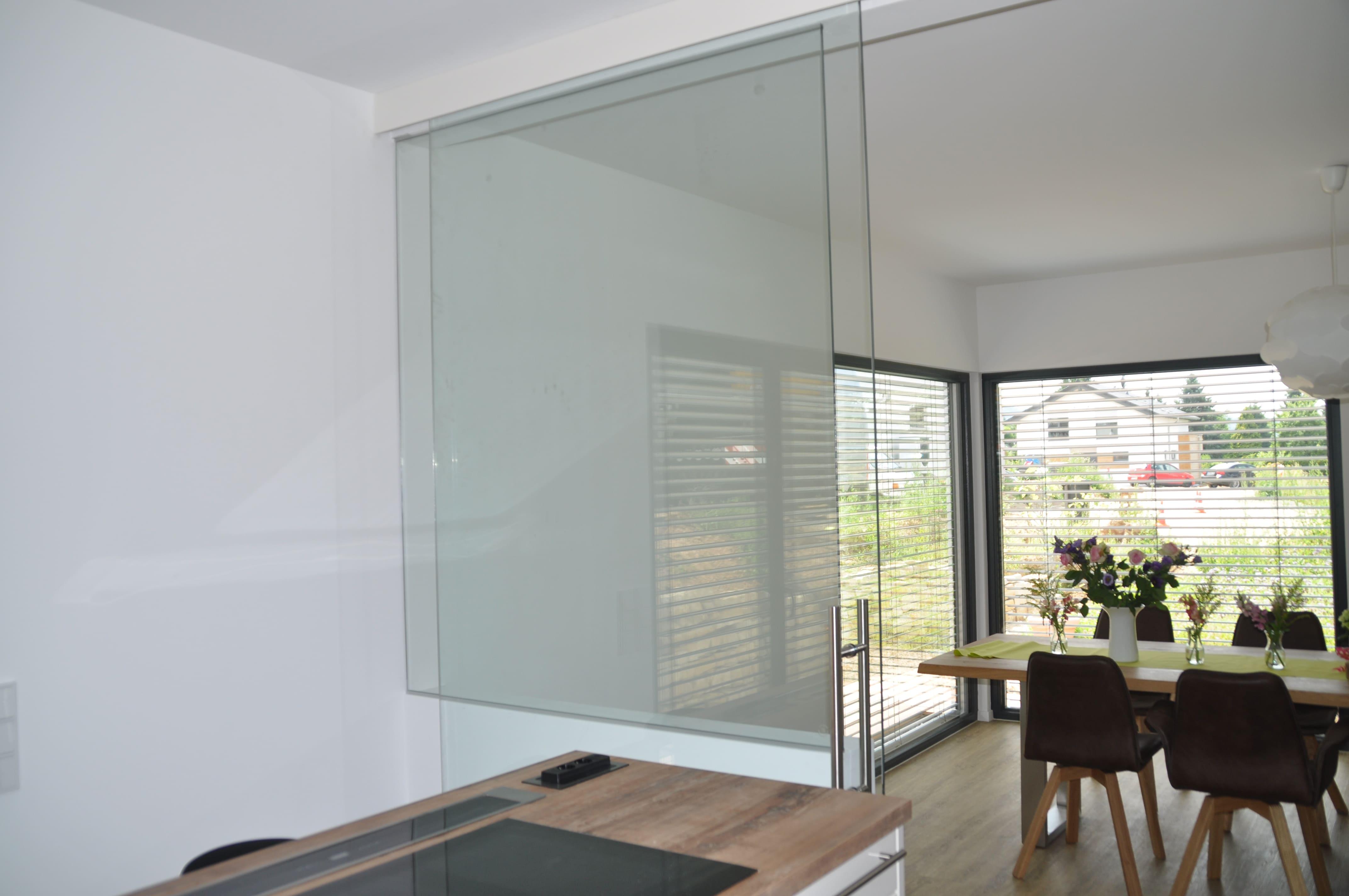 Glasschiebetür Wohnraum Esszimmer Küche deckenhoch