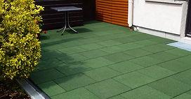 входная зона из резиновой плитки зеленого цвета