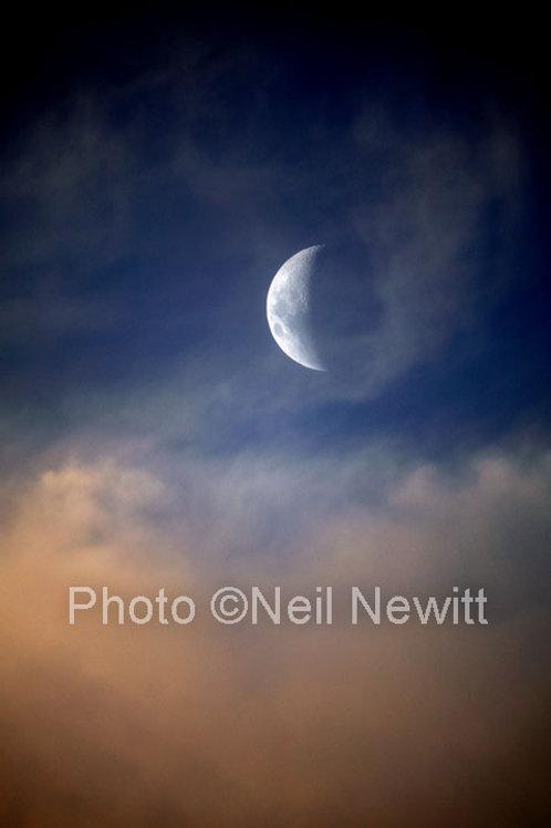 April Moon, Clunes