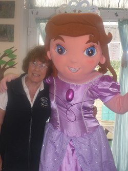 Aunty Helen with Sofia the 1st!