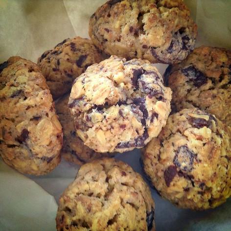 Muesli & chocolate chunks cookies