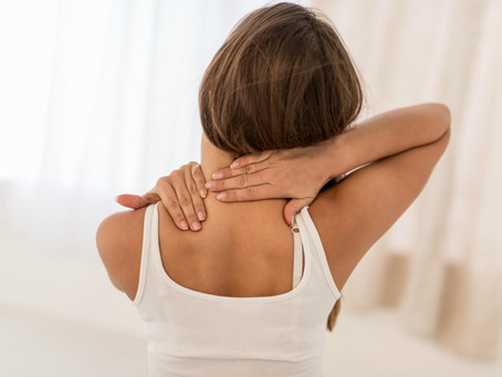 Cause e rimedi all'artrosi cervicale: ecco cosa fare per far passare il mal di collo