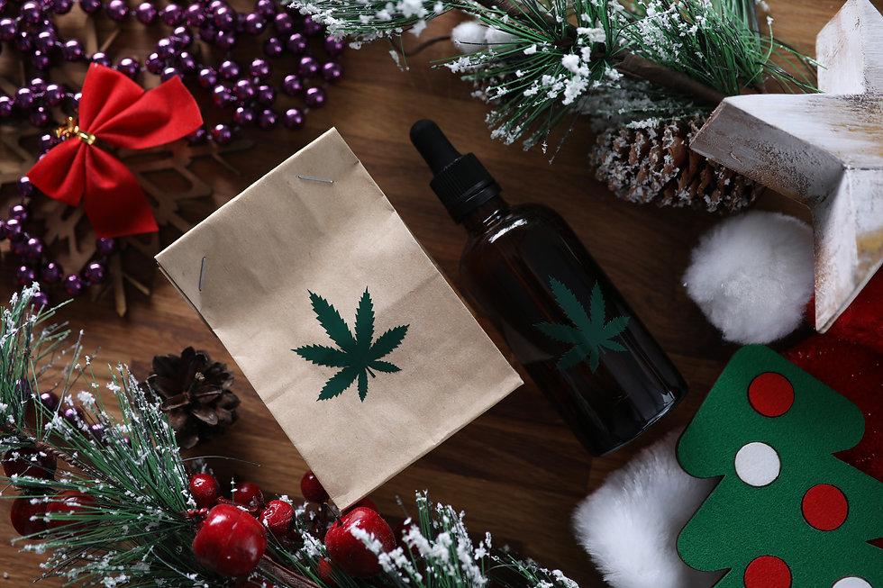 Best-Cannabis-Christmas-Gifts-2019.jpg