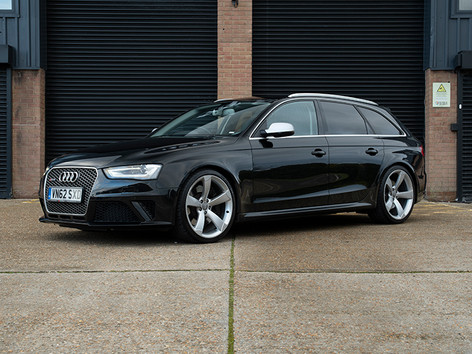 Audi RS4 Black copy.jpg