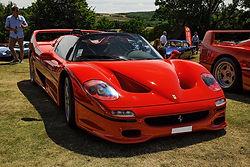 Ferrari_f50_servicing.jpg