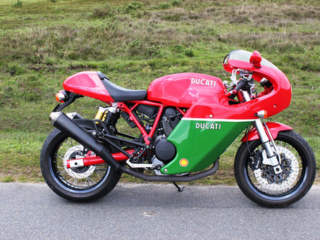 DUCATI 1000S CAFE RACER 2008 SPECIAL EDITION ONLY 1300 MILES!
