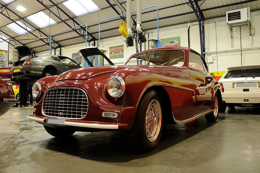 Ferrari_166_servicing