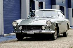 Ferrari_250_servicing-2.jpg