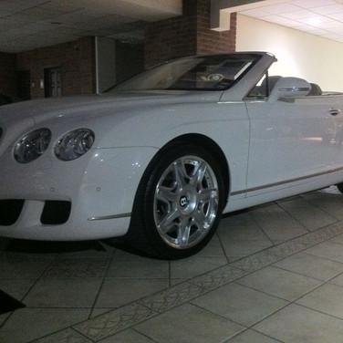 Bentley continental GT White.jpg
