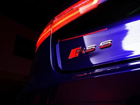 Audi RS6 New Car Detail (57).jpg