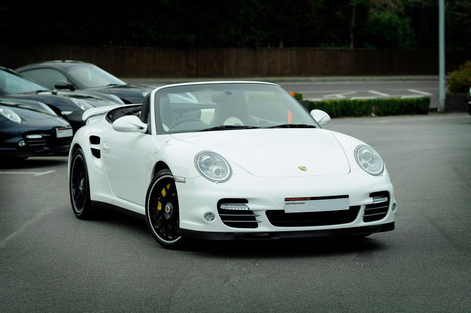 Porsche 911 Turbo S cleaned by FCD