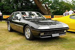 Ferrari_400_servicing_edited.jpg