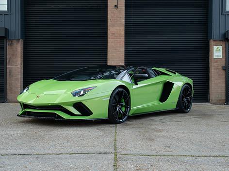 Lamborghini Aventador Green copy.jpg