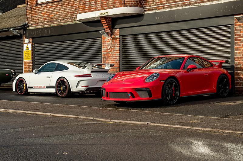 Porsche GT3 White & Red