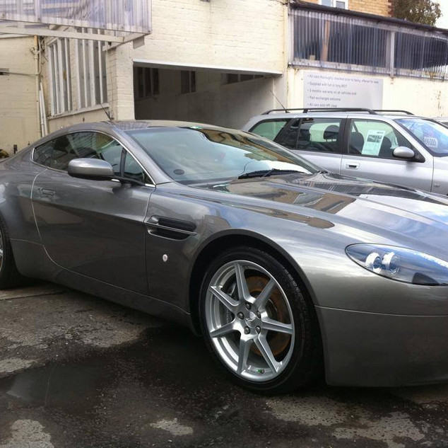 Aston MArtin DB9 - Maintenance Wash