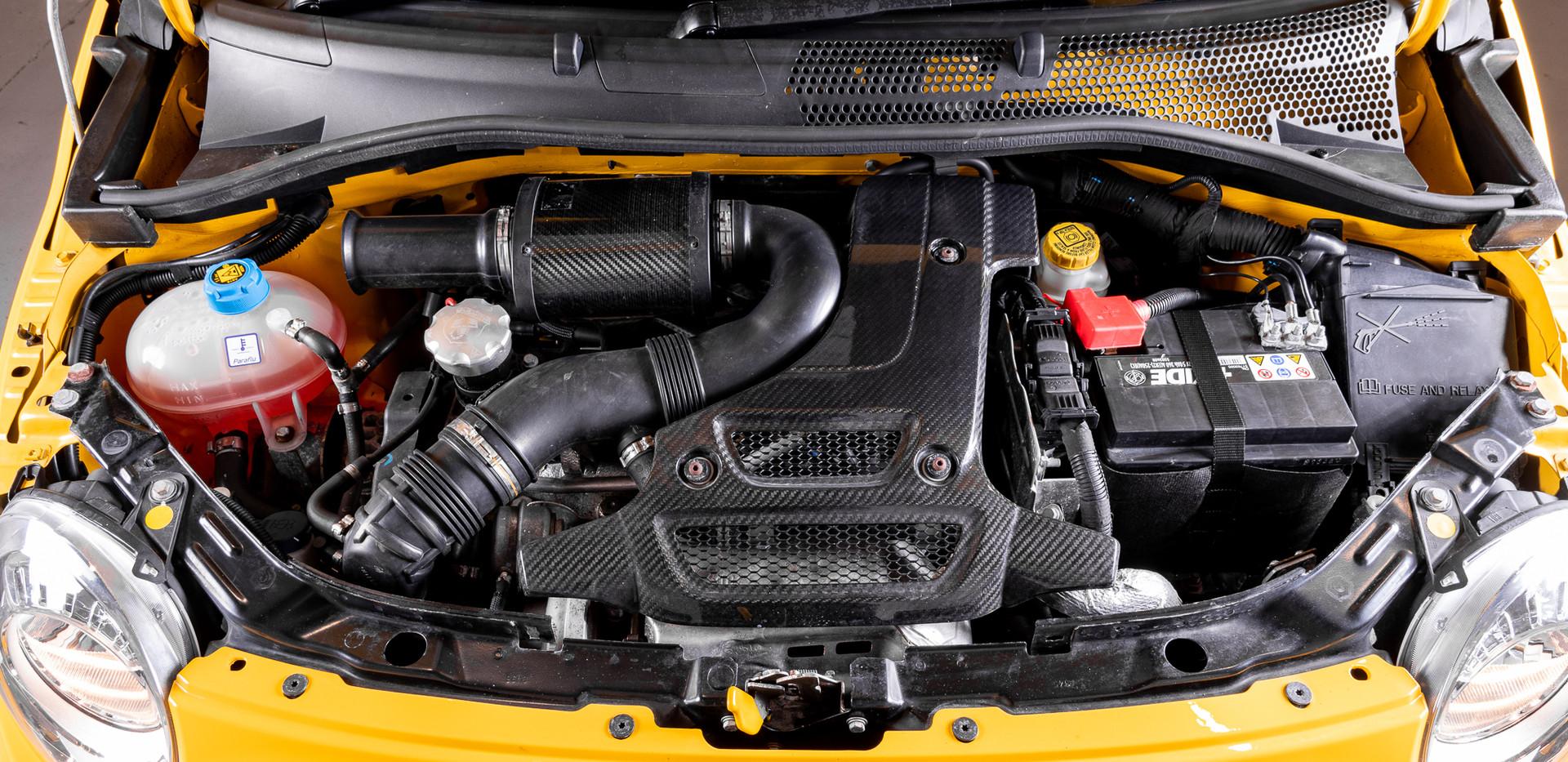 Fiat 500 695 Abarth Biposto (70).jpg