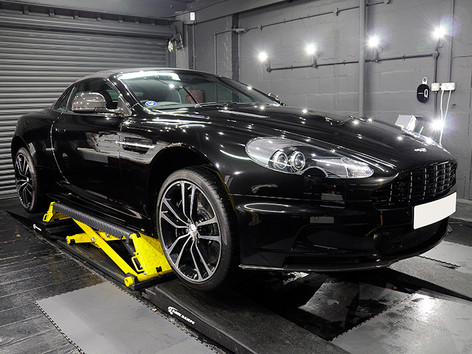 Aston Martin DB9 Volante.jpg