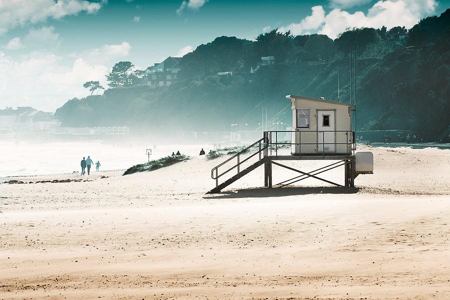 Life Guard Hut.jpg