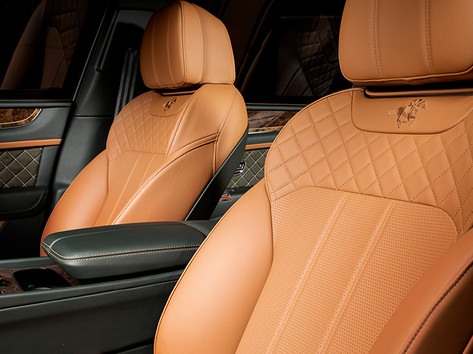 Bentley Bentayga Green (6).jpg
