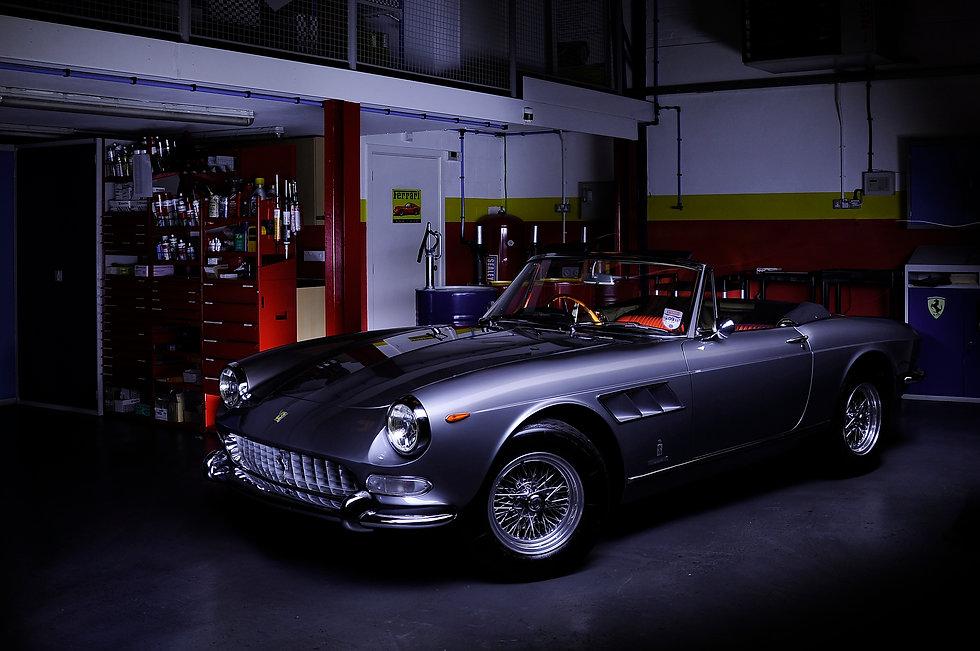 Ferrari 275 GTS Silver (12).jpg