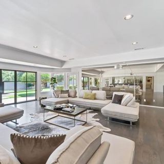 Fort Worth Modern Home Staging