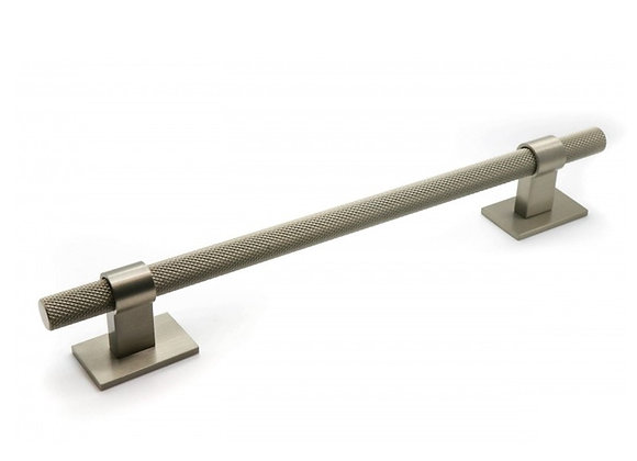 HIGHGATE KNURLED HANDLE WITH SQUARE PLATES