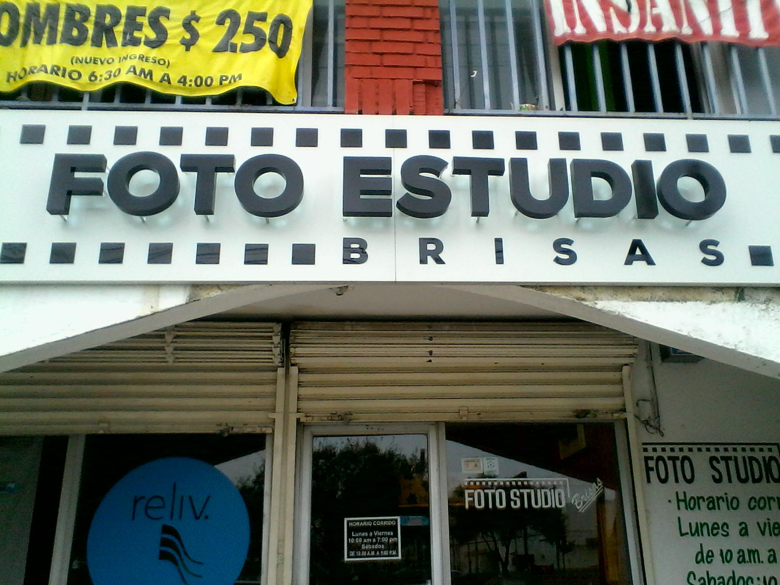 foto estudio letras 9-03-2017 (1)