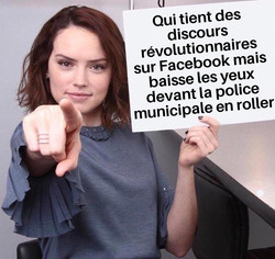 Copie de Daisy Ridley Pointing Police