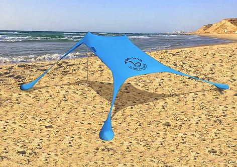 אוהל לים עם שקי חול