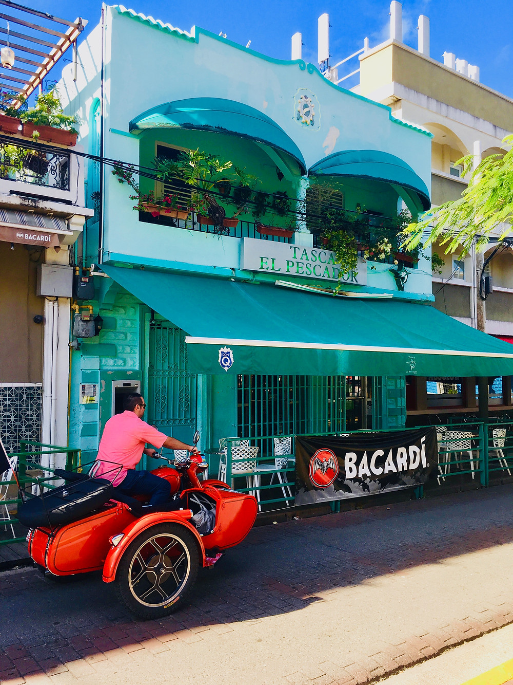 Santurce- local vibes, food and salsa