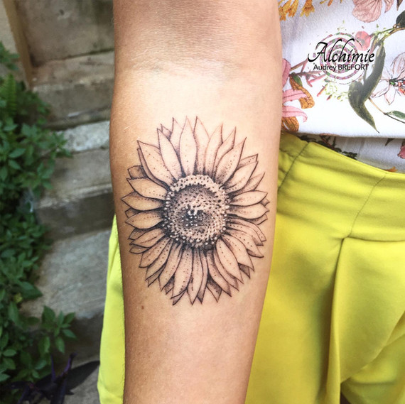 Tournesol Noir et blanc Alchimie Tattoo.