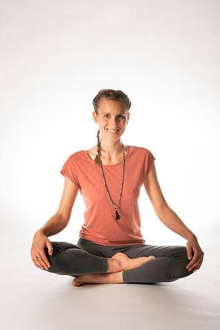 Camille-Studio yoga-1 (1).jpg