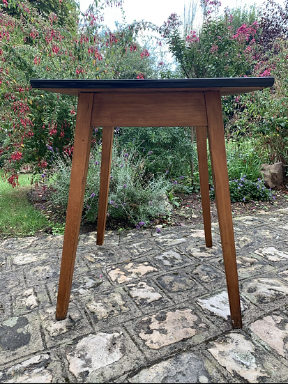 Table carrée haute