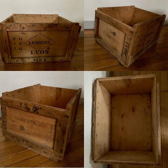 Caisse en bois ancienne