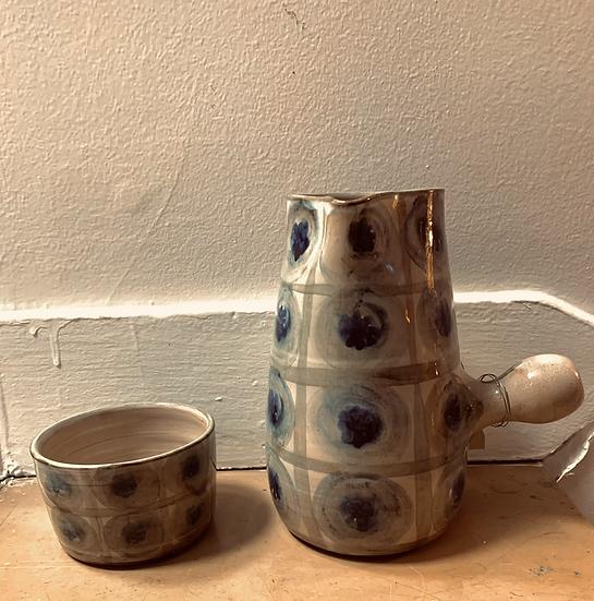 Pichet à eau et gobelet céramique